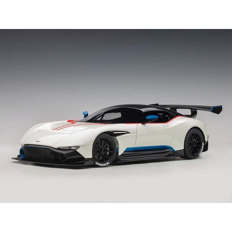 70261 Aston Martin Vulcan 2015 Stratus White Blue Stripes